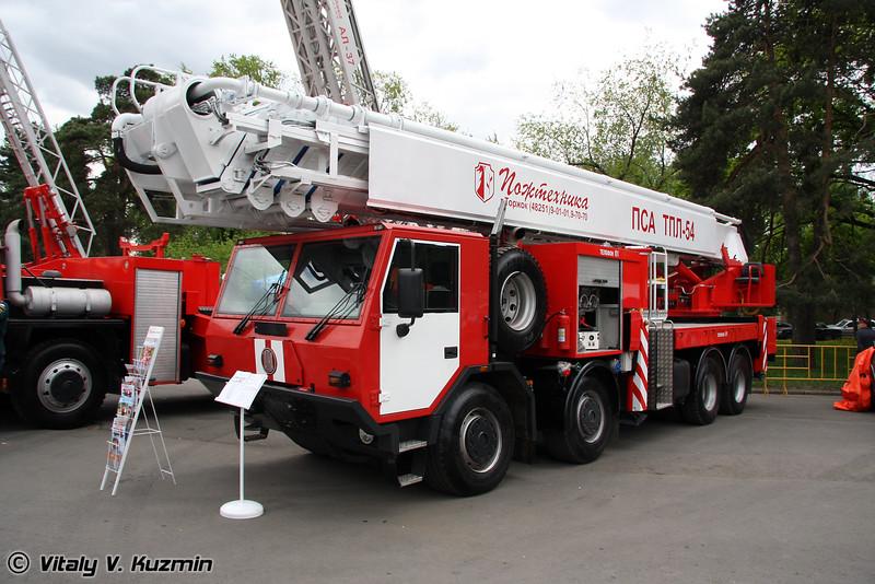 Автомобиль пожарно-спасательный с телескопическим подъемником и лестницей ПСА ТПЛ-54 на шасси Татра Т815 (Fire truck with ladder PSA TPL-54 on Tatra T815 chassis)