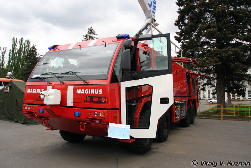 Пожарно-спасательный аэродромный автомобиль Supedragon x8 ARFF 14000 DP 250 HRET 15 на шасси IVECO Mezzi Speziali F800 (Fire and rescue airfield vehicle Supedragon x8 ARFF 14000 DP 250 HRET 15 on IVECO Mezzi Speziali F800 chassis)