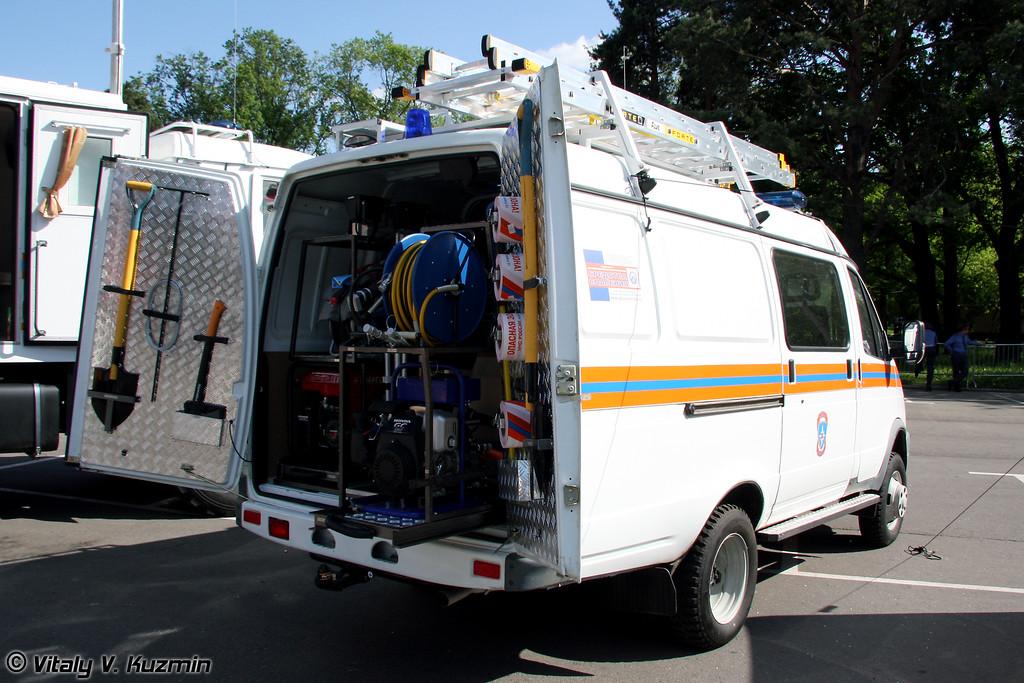 Аварийно-спасательная машина АСМ-41-02-2М2 на базе ГАЗ-21057 (Emergency vehicle ASM-41-02-2M2 on GAZ-21057 chassis)