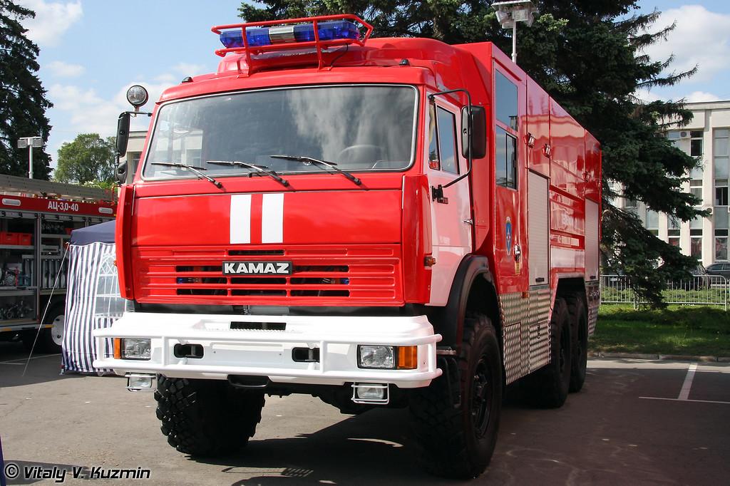 Автоцистерна пожарная АЦ 6-70 на шасси КАМАЗ-43118 (Fire fighting vehicle ATs 6-70 on KAMAZ-43118 chassis)