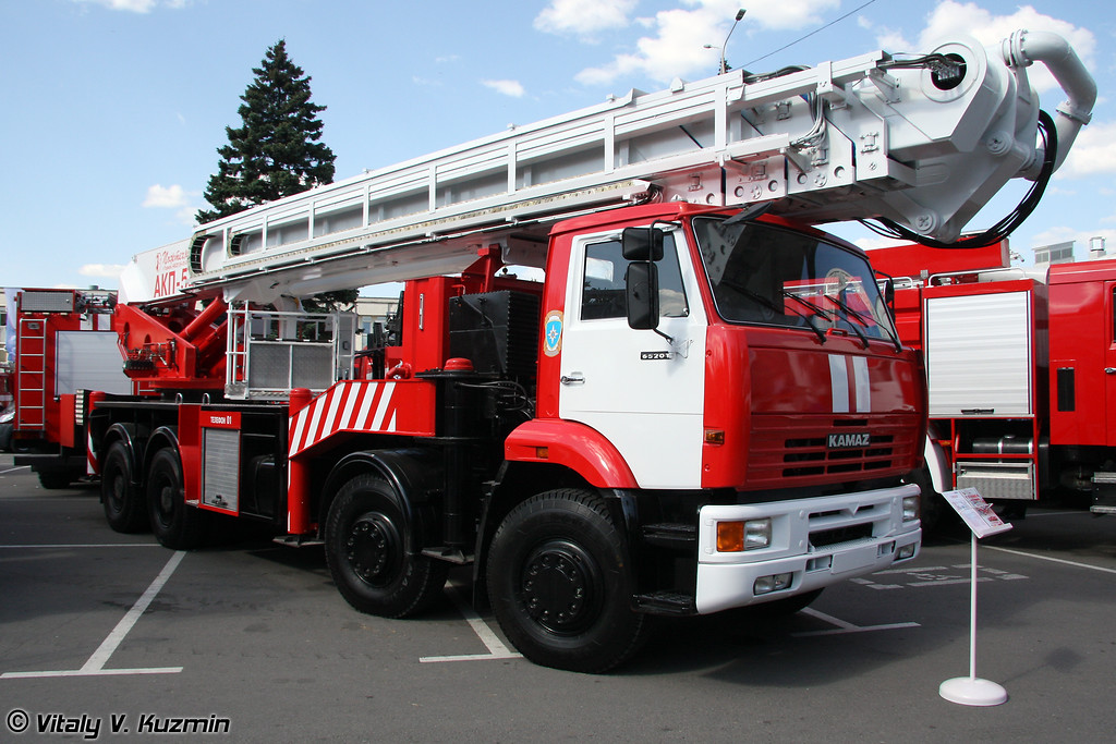 Автоподъемник пожарный АКП-54 (Fire fighting vehicle AKP-54)