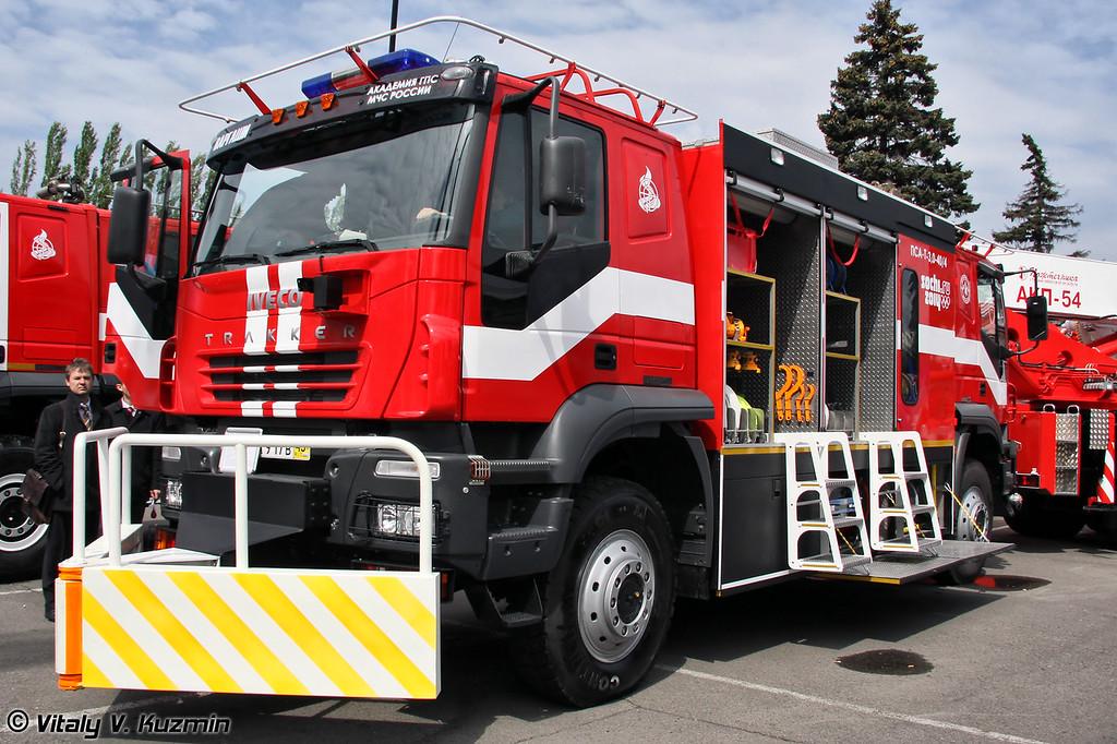 Пожарно спасательный автомобиль с реверсивным движением ПСА-Т3,0-40/100 на шасси IVECO AMT-6339 (Firefighting vehicle PSA-T3,0-40/100 on IVECO AMT-6339 chassis)