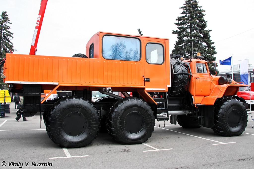 "ВТС ""Урал-Полярник"" (All-terrain vehicle Ural-Polyarnik)"