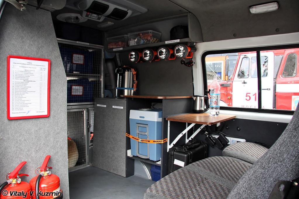 Аварийно-спасательный автомобиль кинологической службы на шасси ГАЗ-27057 (Dog service emergency vehicle on GAZ-27057 chassis)