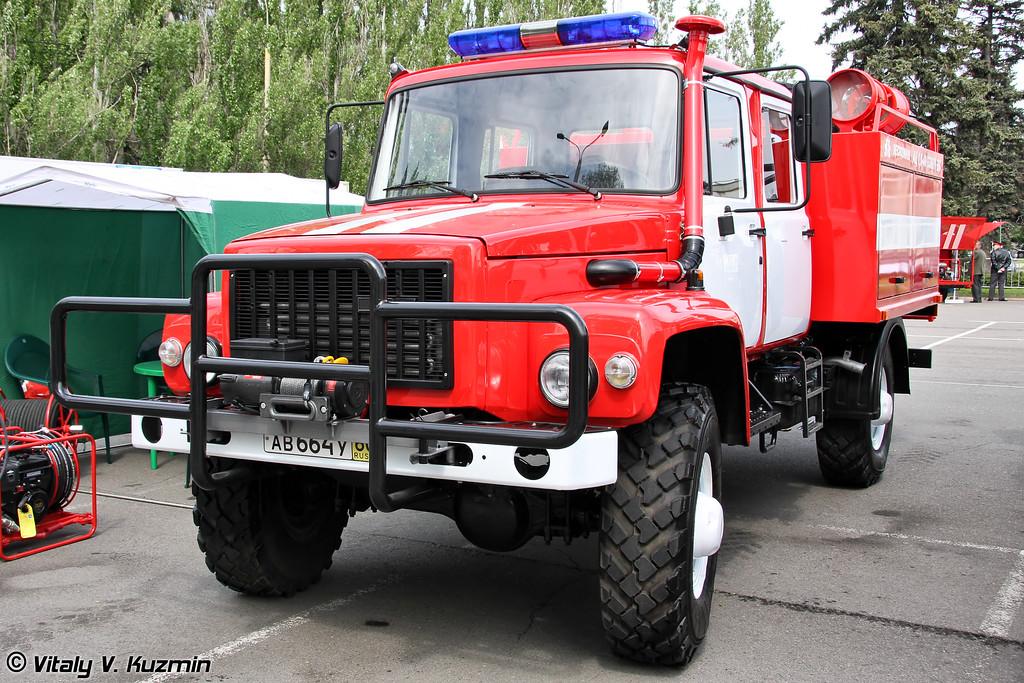 Автоцистерна пожарная АЦ-3,0-40 на шасси ГАЗ-33086   (Firefighting vehicle ATs 3,0-40 on GAZ-33086 chassis)