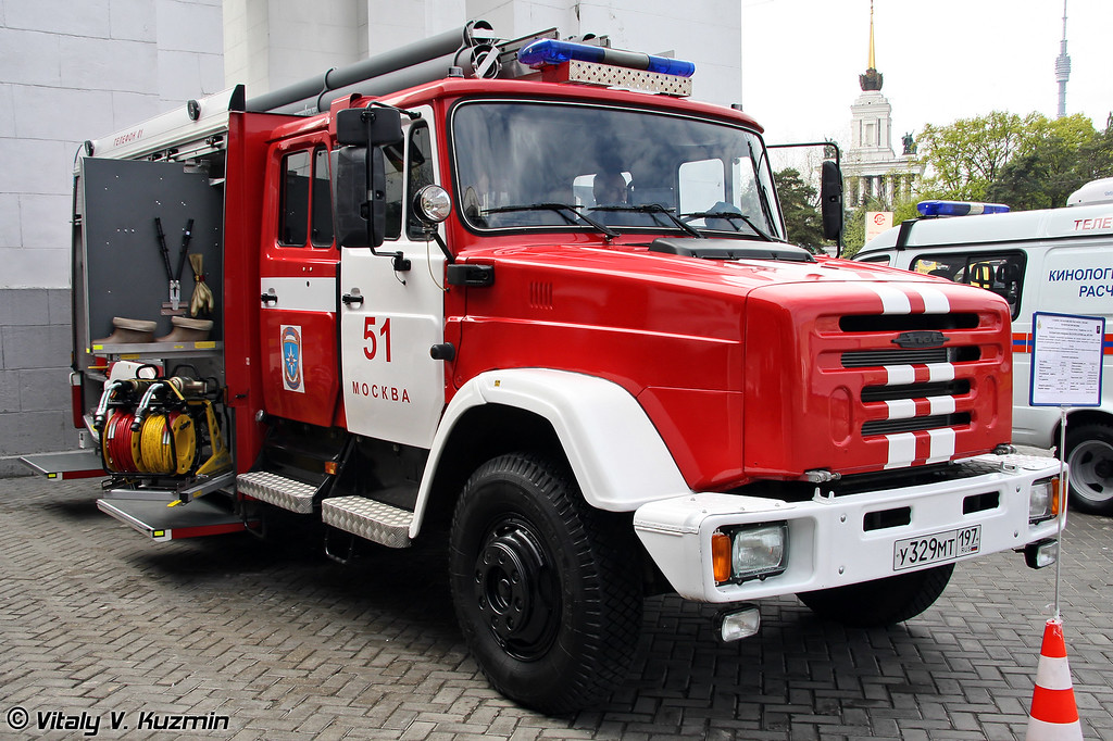 Автоцистерна пожарная АЦ-2,0-20/2 на шасси ЗИЛ-433185 (Firefighting vehicle ATs-2,0-20/2 on ZIL-433185 chassis)