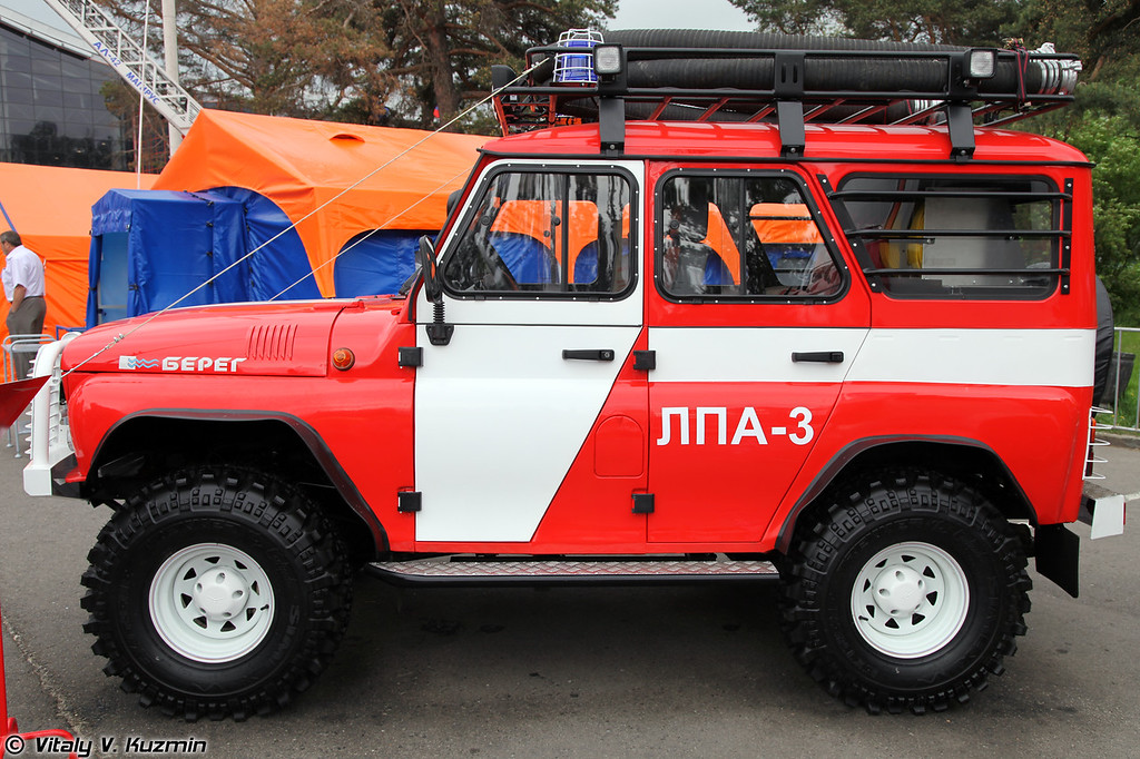 Лесопатрульный автомобиль ЛПА-3 на базе УАЗ-31519 (Fire patrol vehicle LPA-3 on UAZ-31519 base)