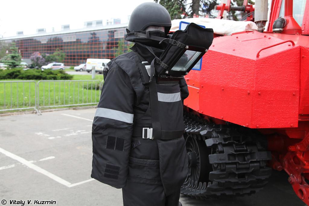 Защитный костюм сапера Заслон-ПМ-1С (Sapper protective suit Zaslon-PM-1S)