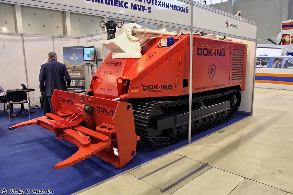 Противопожарный робототехнический комплекс DOK-ING MVF-5 (Fire fighting robot system DOK-ING MVF-5)