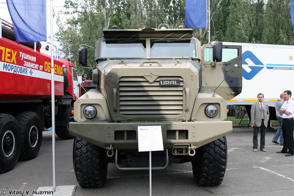 Бронеавтомобиль Урал-63099 Тайфун-У (Ural-63099 Typhoon-U armored vehicle)