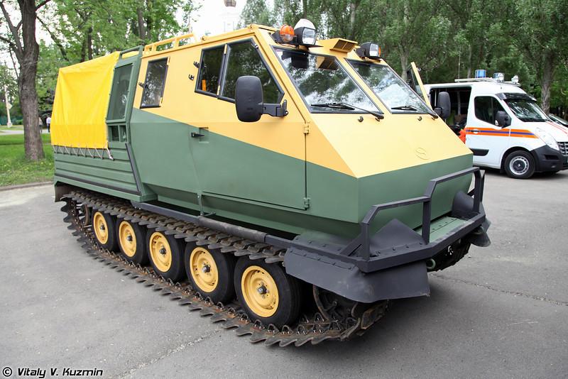 Гусеничный вездеход СМ552-01 (SMM552-01 all-terrain vehicle)