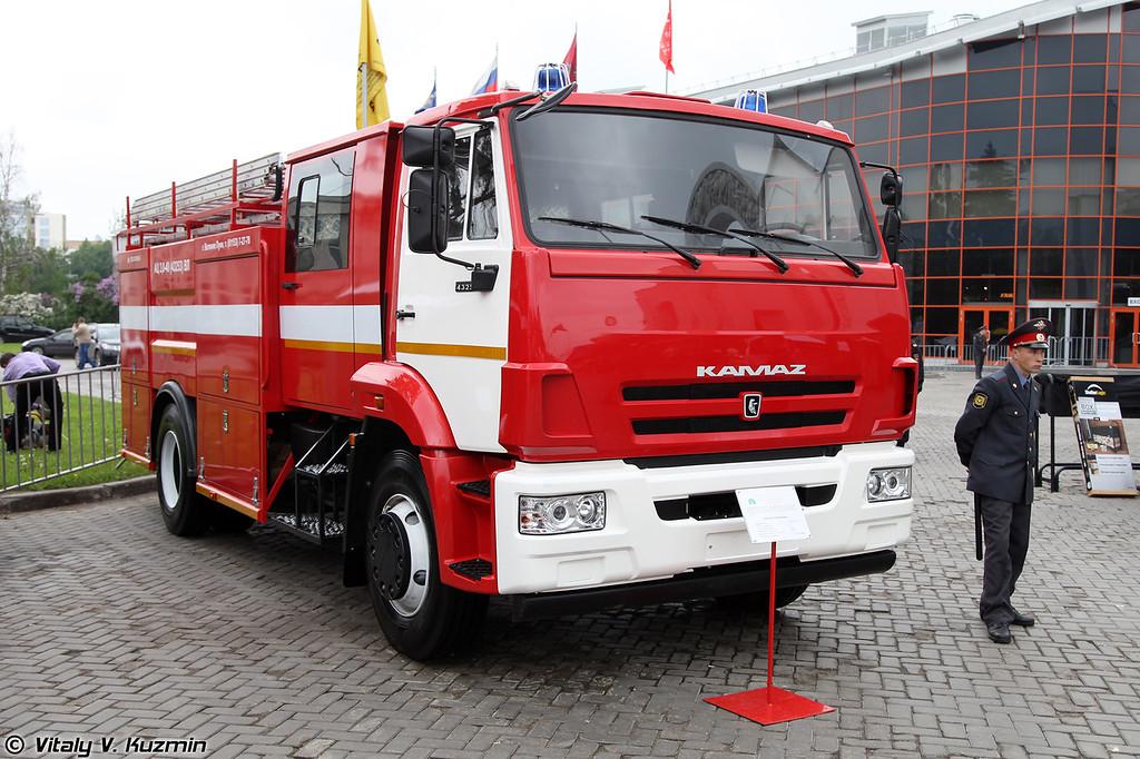 Автоцистерна пожарная АЦ-3,0-40 ВЛ на шасси КАМАЗ-43253 (Firefighting vehicle ATs-3,0-40 VL on KAMAZ-43253 chassis)
