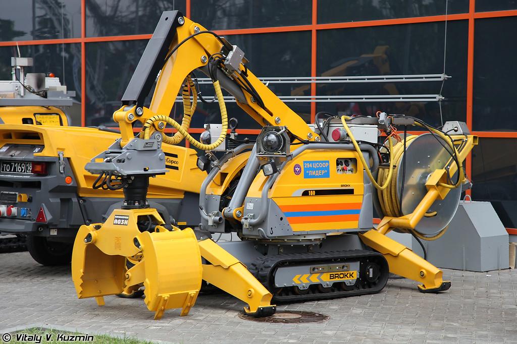 Робототехнический комплекс BROKK-180 (BROKK-180 remote controlled demolition robot)