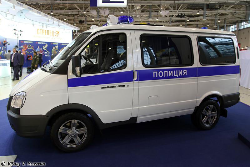 Автомобиль патрульно-постовой службы на базе ГАЗ-2217 Соболь (Police vehicle on GAZ-2217 Sobol base)