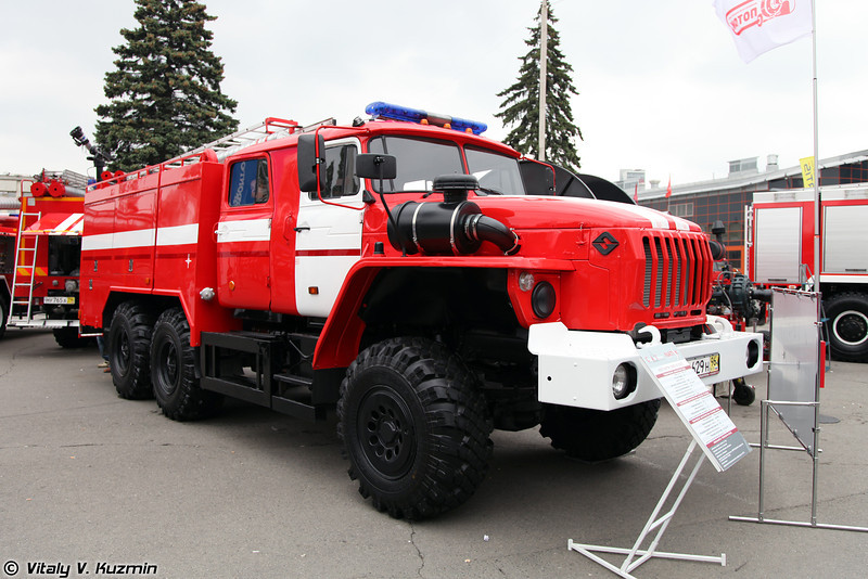 АПСТ NATISK-3000 KS на шасси Урал-5557 (Firefighting vehicle NATISK-3000 KS on Ural-5557 chassis)