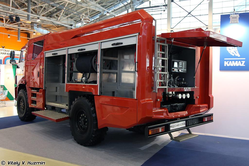Автоцистерна пожарная АЦ 3,0-40 на шасси КАМАЗ-43502-45 (Fire fighting vehicle ATs 3,0-40 on KAMAZ-43502-45 chassis)