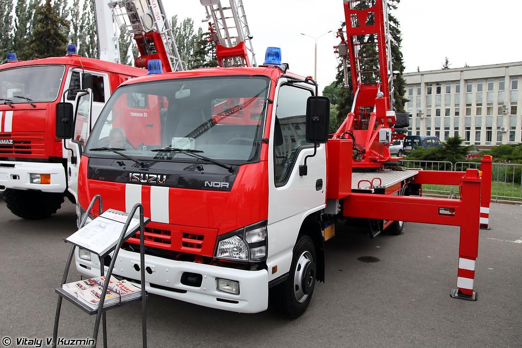 Автолестница пожарная АЛ-30 (Aerial ladder platform AL-30)
