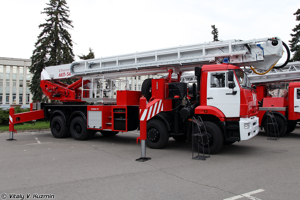 Автоподъемник пожарный АКП-54 (Aerial ladder platform AKP-54)