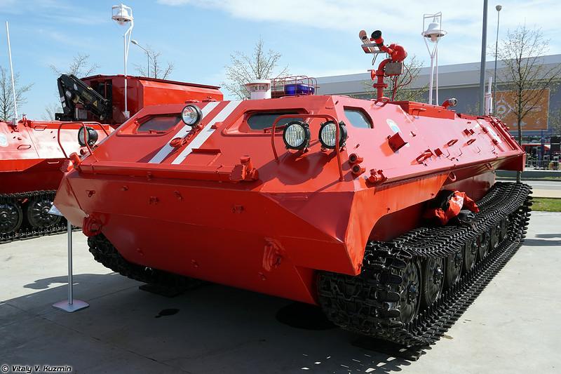 Машина пожаротушения робототехнического комплекса пожаротушения Кедр (Fire fighting vehicle from Kedr unmanned fire fighting system)