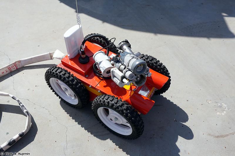 Мобильная радиоуправляемая установка пожаротушения модель 112 ВР (112 VR fire fighting UGV)