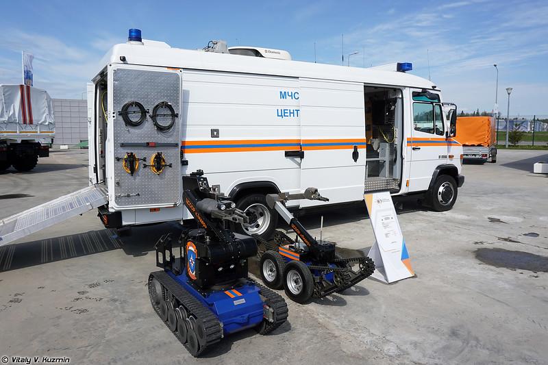 Многофункциональный робототехнический комплекс TEL630-L с МРК tEODor и telemax (TEL630-L UGV control and service vehicle with tEODor and telemax UGVs)