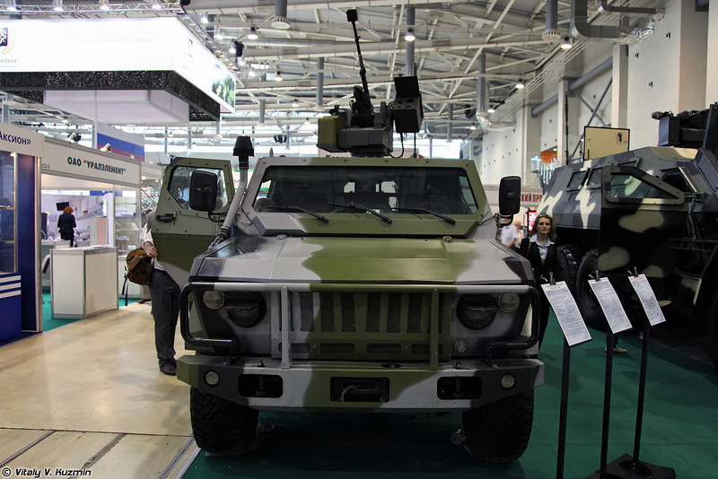 Бронеавтомобиль Скорпион-2МБ с боевым модулем (Skorpion-2MB light armored vehicle with combat module)