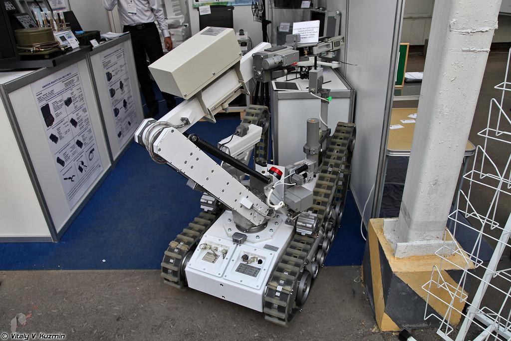 Робототехнический комплекс с устройством Крот для поиска радиационных аномалий и точечных источников гамма-излучения (Krot robot system)