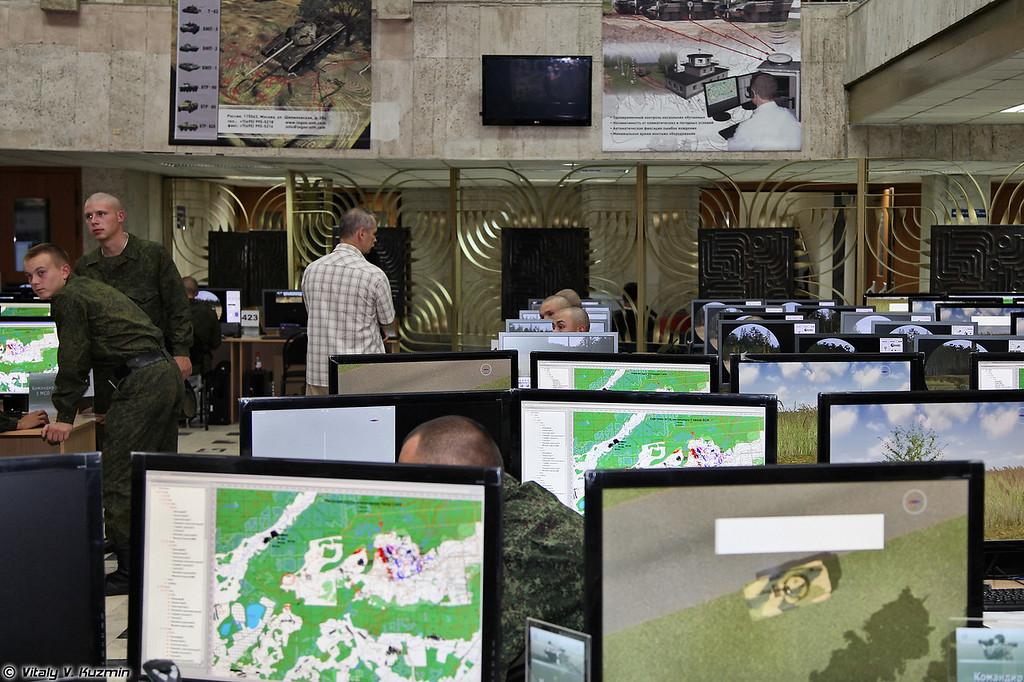 Тактический тренажер для мотострелковых и танковых подразделений от ПФ Логос (Tactical simulator)