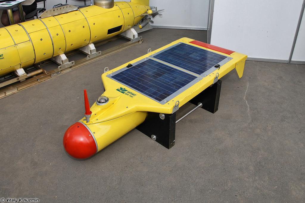 Солнечный автономный необитаемый подводный аппарат Санпа (Sanpa solar powered underwater vehicle)