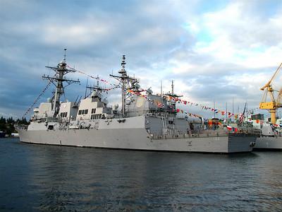 USS Sampson and USS Chosin
