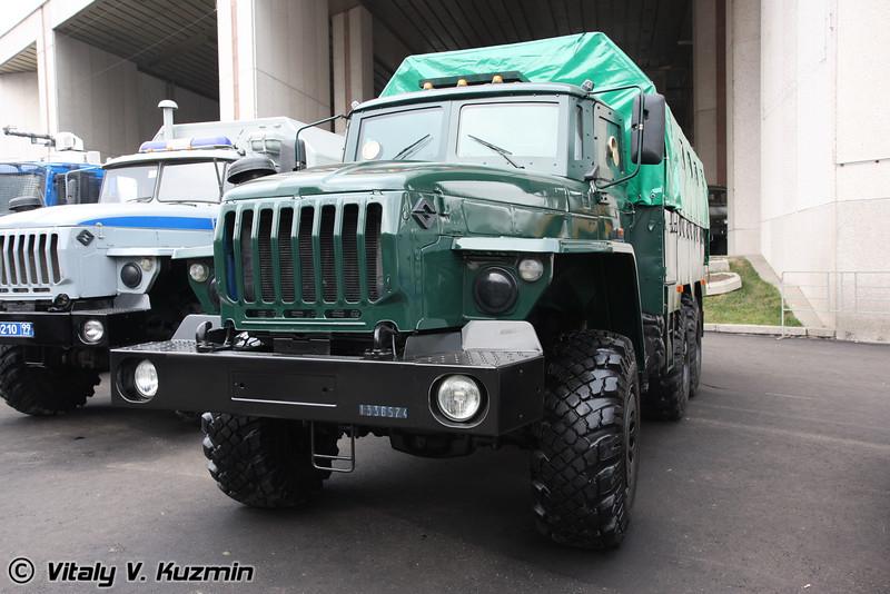Бронеавтомобиль Федерал-42590 на шасси Урал-55571 (Armored vehicle Federal-42590 on Ural-55571 chassis)