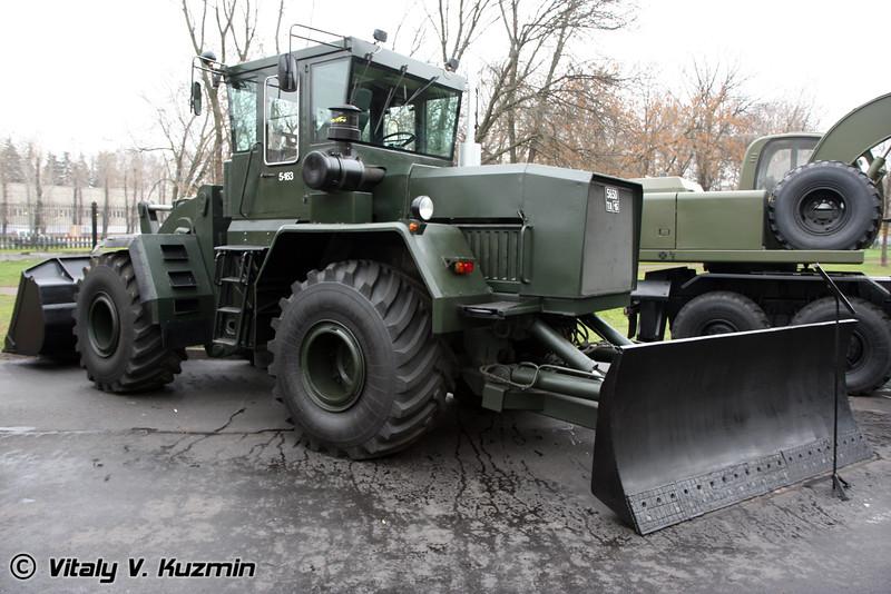 Универсальная дорожная машина К-702 МВ-УДМ-2 (Road bulldozer K-702 MV-UDM-2)
