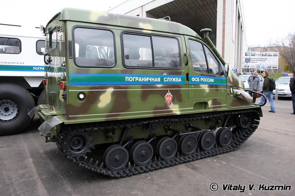 Плавающий гусеничный снегоболотоход Бобр (All-terrain vehicle Bobr)