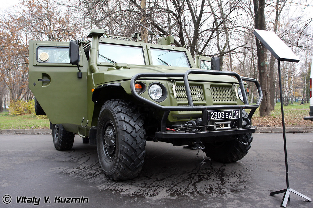 КШМ Р-145 БМА (Mobile command vehicle R-145 BMA based on GAZ Tigr)