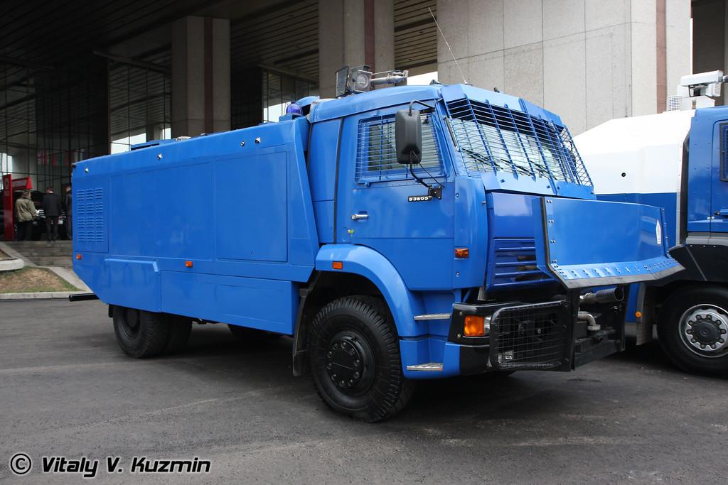 Спецавтомобиль Шторм на шасси Камаз-53605 (Anti riot vehicle Shtorm on KAMAZ-53605 chassis)
