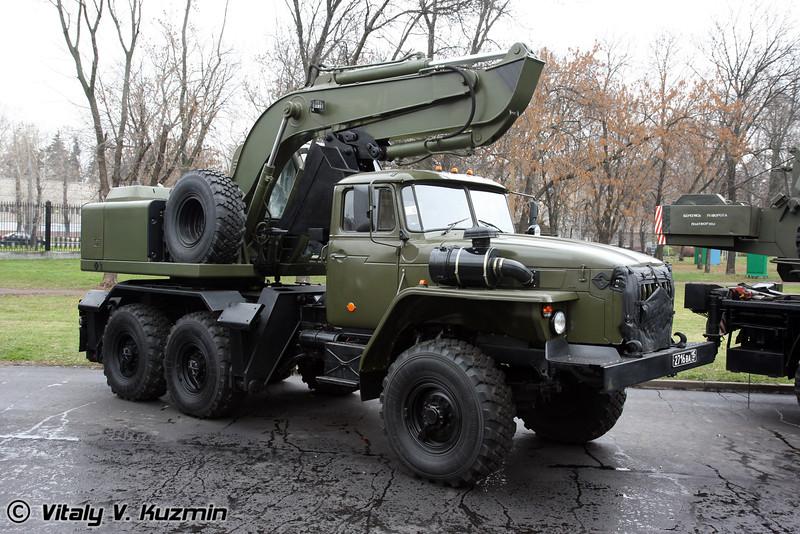 Войсковой экскаватор ЭОВ-3521 (Excavator EOV-3521)