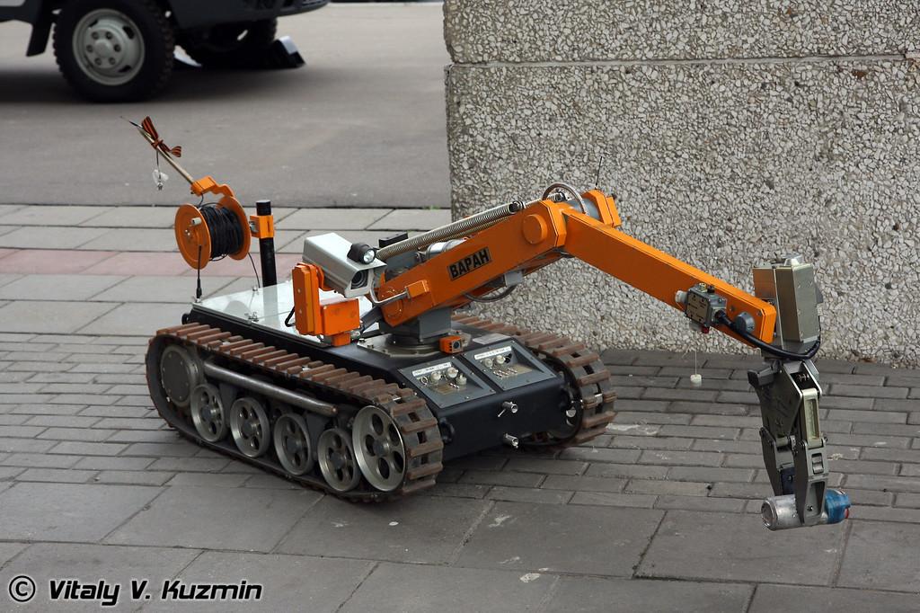 Передвижная взрывотехническая лаборатория (Sapper vehicle and sapper robot Varan)