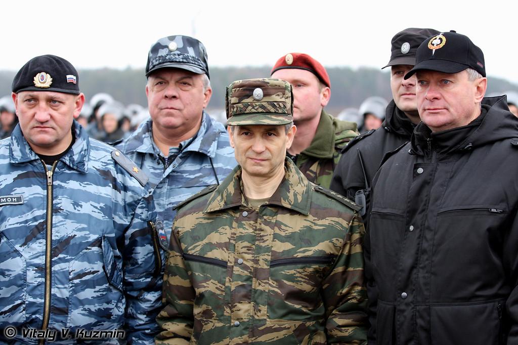 Рашид Нургалиев и руководители подразделений (Minister of Internal Affairs and units commanders)