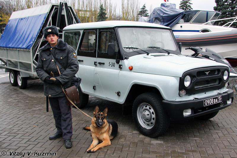 УАЗ-31514 с изделием Заградитель (UAZ-31514 with Zagraditel device)