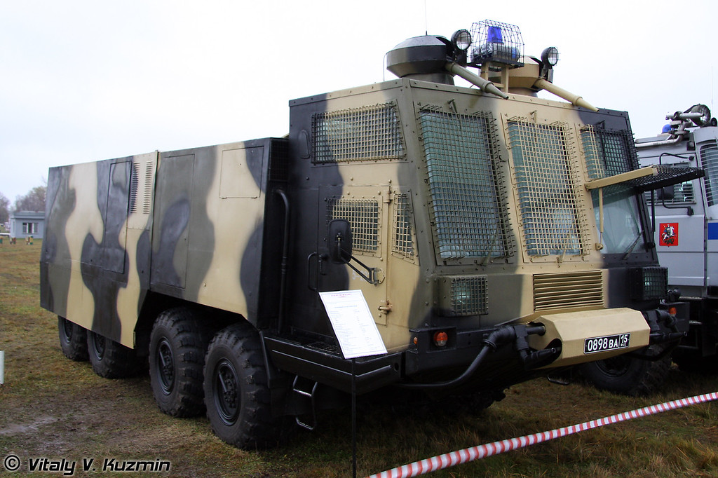 АБС-40 Лавина на базе БАЗ-6953 (Anti-riot vehicle ABS-40 Lavina on BAZ-6953 chassis)