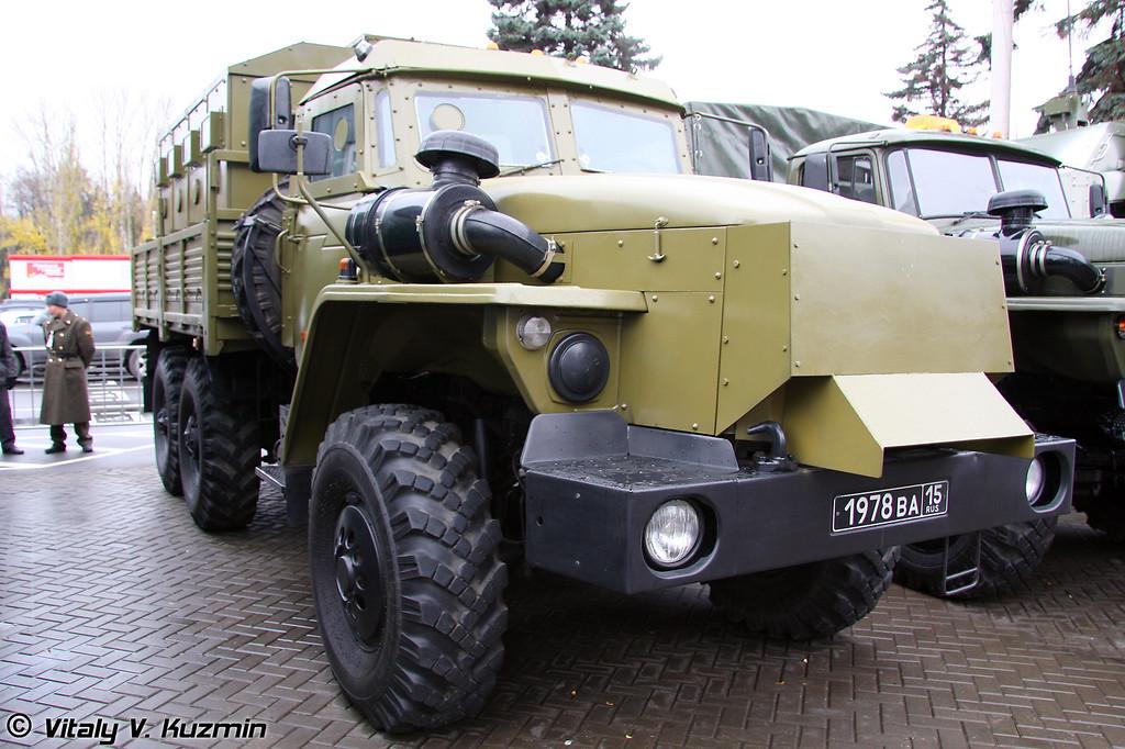 Урал-4320 Звезда-В (Armored Ural-4320 Zvezda-V)
