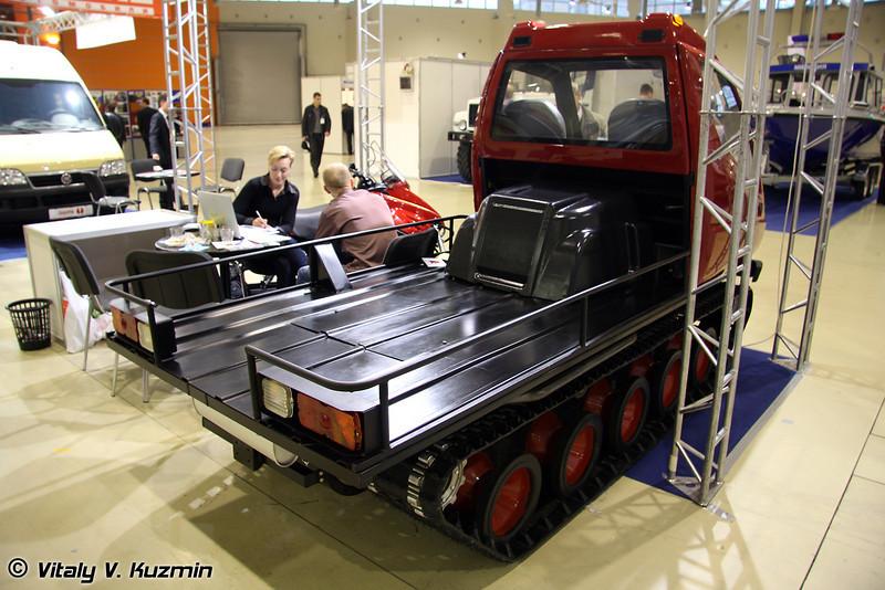 Гусеничный снегоход Итлан (Trucked snow vehicle Itlan)