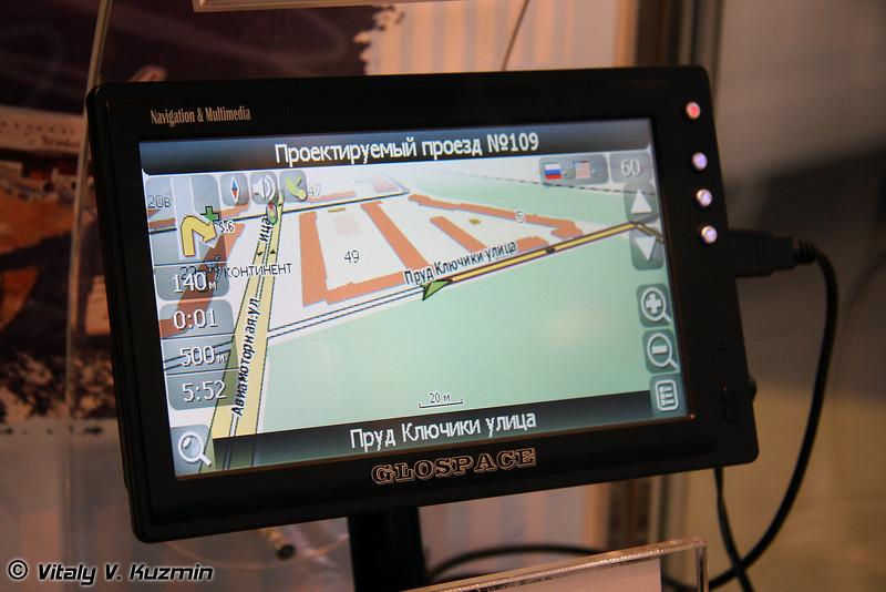 Автомобильный мультимедийный навигатор GLOSPACE SGK-70 от НИИ Космического приборостроения (Navigation device GLOSPACE SGK-70 for vehicles)