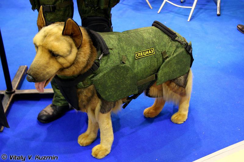 Защитный комплект для служебных собак (Protective kit for dogs)