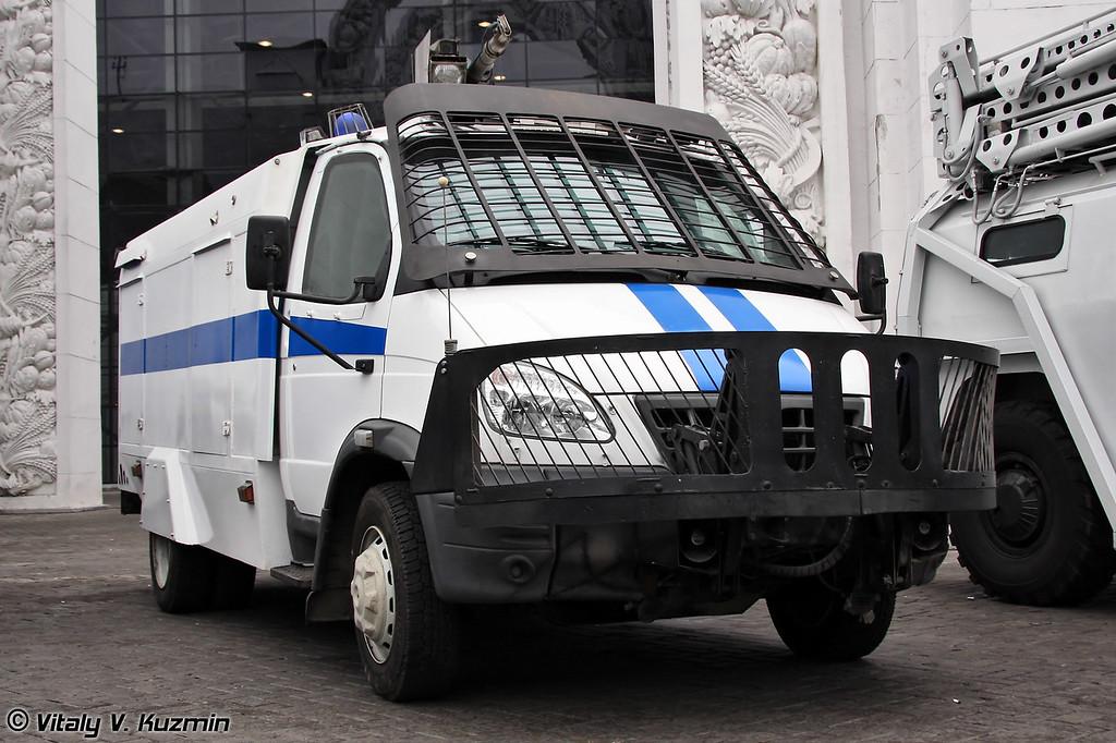 Водометный спецавтомобиль малого класса Гроза на базе ГАЗ-33104 Валдай (Anti-riot special police vehicle Groza on GAZ-33104 Valday chassis)