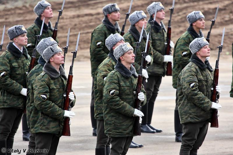 Тренировка роты почетного караула перед выступлением (Honor Guards rehearsal before the official opening ceremony)
