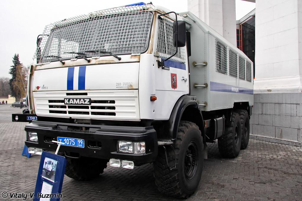 КАМАЗ-43114 предназначен для перевозки личного состава и снаряжения (KAMAZ-43114)