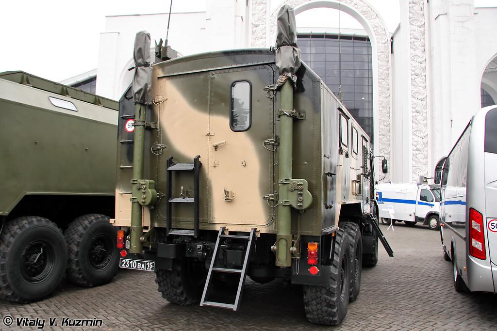 Радиостанция комбинированная Р-142 НСА (Combined radiostation R-142 NSA)
