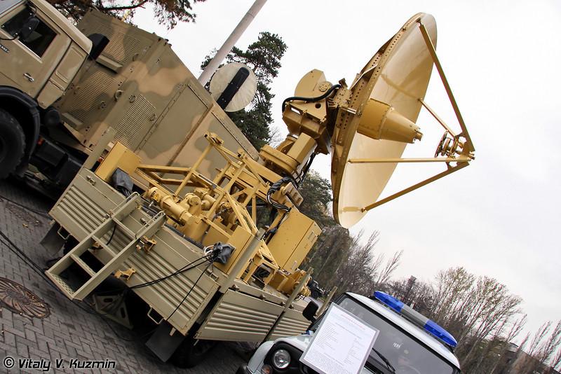 Мобильный наземный специальный комплекс TRITON (Special mobile ground complex TRITON for providing high-speed connection to satellites)
