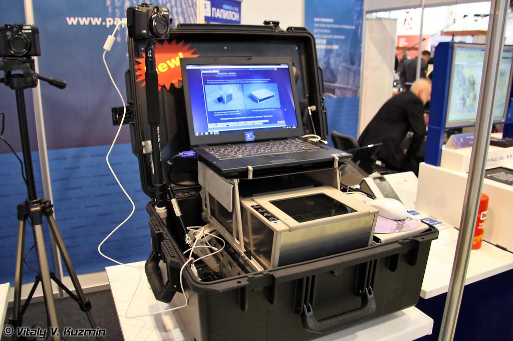 Мобильная станция регистрации и оперативных проверок с дактилоскопическим сканером Папилон ДС-40 (Portable fingerprinting station with Papilon DS-40 fingerprinting scanner)